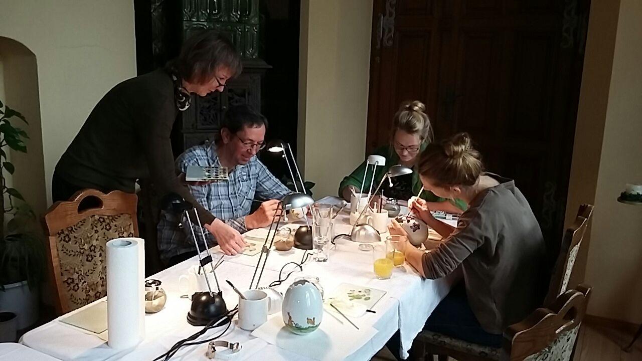 Kurs Porzellanmalerei mit Frau Leesch aus Radebeul